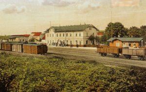 1872 eingeweihtes Bahnhofsgebäude in Rositz