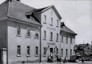 Kulturhaus der MTS, ehemals Gasthof Rositz