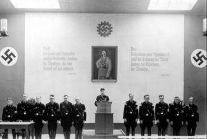 NSDAP-Kundgebung im Saal der Mineralölwerke zum 1.Mai 1934