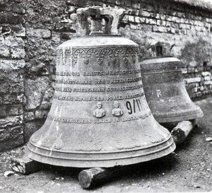 Die Glocken nach dem Ausbau 1942